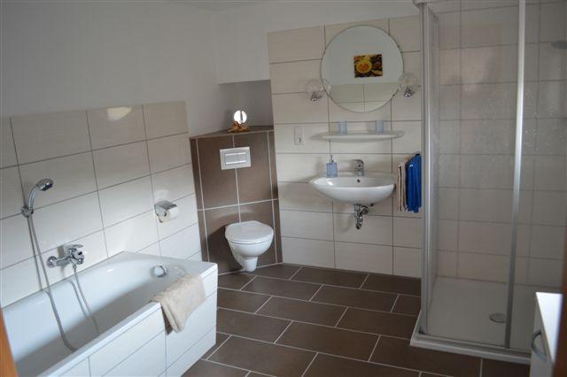 Badezimmer Ferienwohnung Augustfehn Ferienhaus